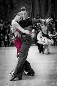 Tanzendes Paar - derferder.at