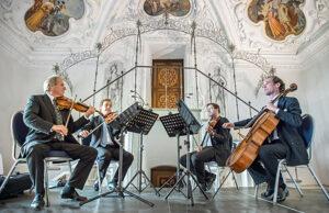 Philharmoniker im Weißen Saal der Riegersburg - derferder.at