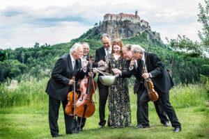 Philharmoniker vor der Riegersburg - derferder.at